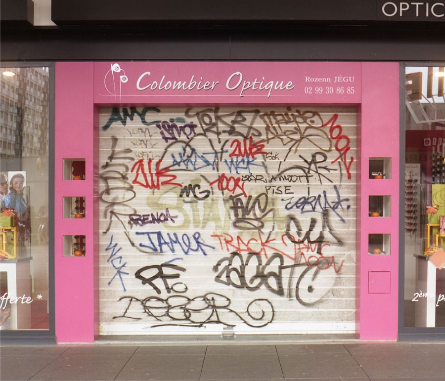 Legible Graffiti Colombier Optique (Before) by Mathieu Tremblin