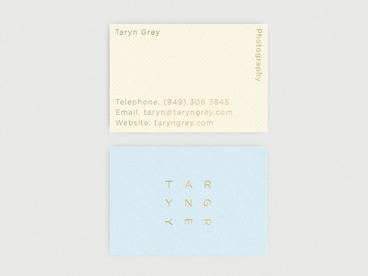 taryn-grey-business-cards-landscape
