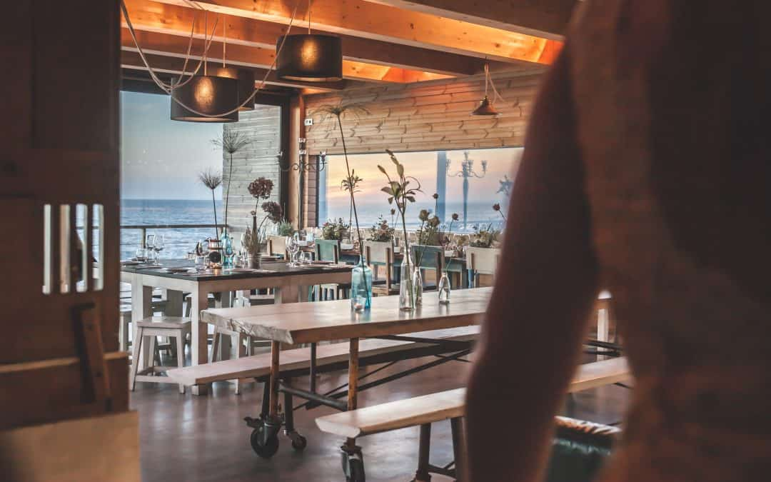 9 Quick and Easy Decorating Ideas for Bars and Restaurants